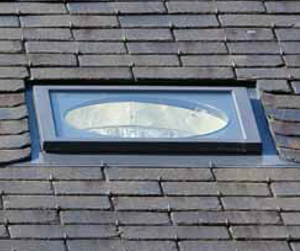 Sun tunnel skylight experts flat glass sun tunnel for Sun tunnel light